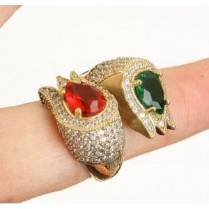 Esmeralda, rubí y topacios. Lujoso anillo en plata sólida de Ley (925) y bronce.