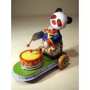 Oso Panda de chapa hojalata con tambor y ruedas