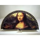 "Abanico del famoso cuadro de Leonardo Da Vinci ""Mona Lisa"". Impresión adaptada en madera."
