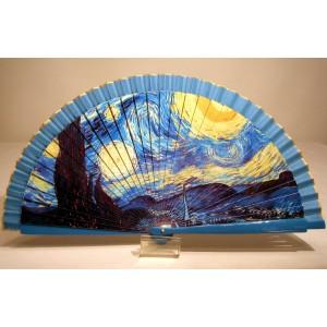 """Abanico del famoso cuadro de Vincent Van Gogh """"La noche estrellada"""". Impresión adaptada en madera."""
