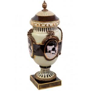 Jarrón estilo barroco Luís XV, 48 cm., de porcelana y bronce.