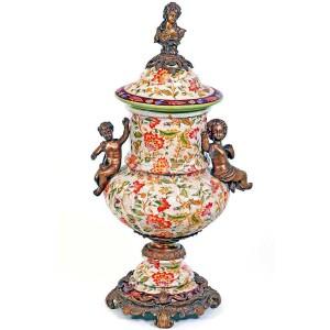 Jarrón de porcelana y bronce, 56 cm.,.de estilo Real Luís XV.